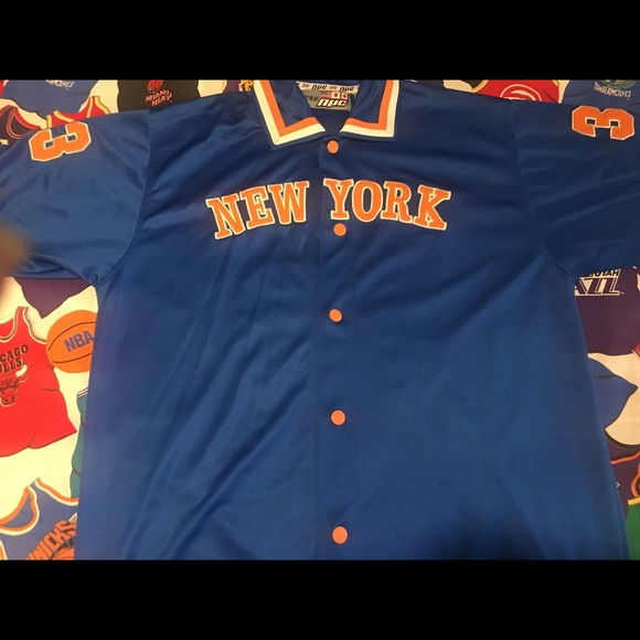 sale retailer c0895 f5eb1 Vintage 212 NYC warmup embroidered button shirt